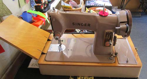 Sewing Machine Pages Buying An Old Sewing Machine Beauteous Vintage Singer Sewing Machine For Sale Uk